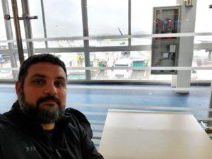 Esperando el vuelo que me llevará a la República de Chile.
